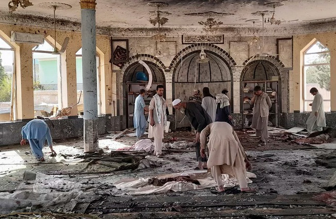 Afghanistan: Đánh bom đẫm máu nhất kể từ khi Mỹ rút quân - Ảnh 1.