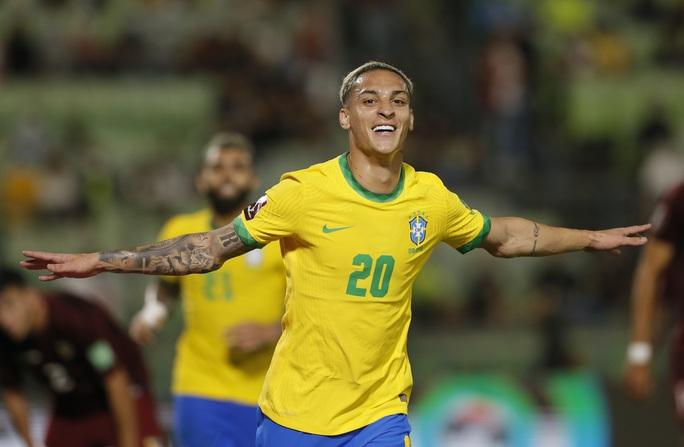 Ngược dòng siêu hạng, Brazil vững ngôi đầu vòng loại World Cup Nam Mỹ - Ảnh 5.