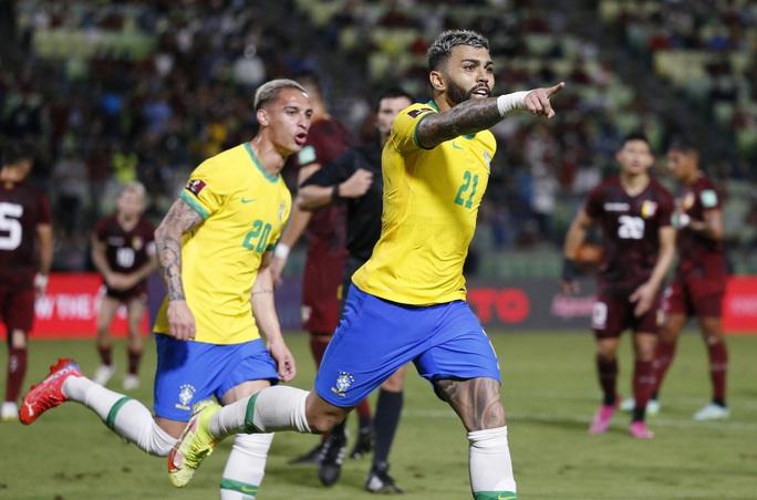 Ngược dòng siêu hạng, Brazil vững ngôi đầu vòng loại World Cup Nam Mỹ - Ảnh 6.