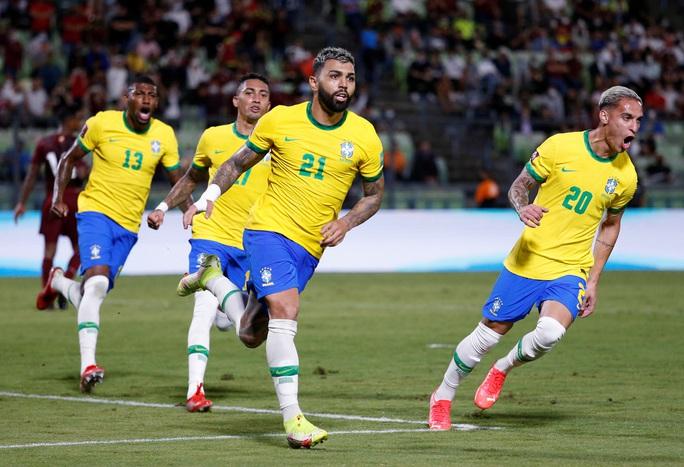 Ngược dòng siêu hạng, Brazil vững ngôi đầu vòng loại World Cup Nam Mỹ - Ảnh 4.