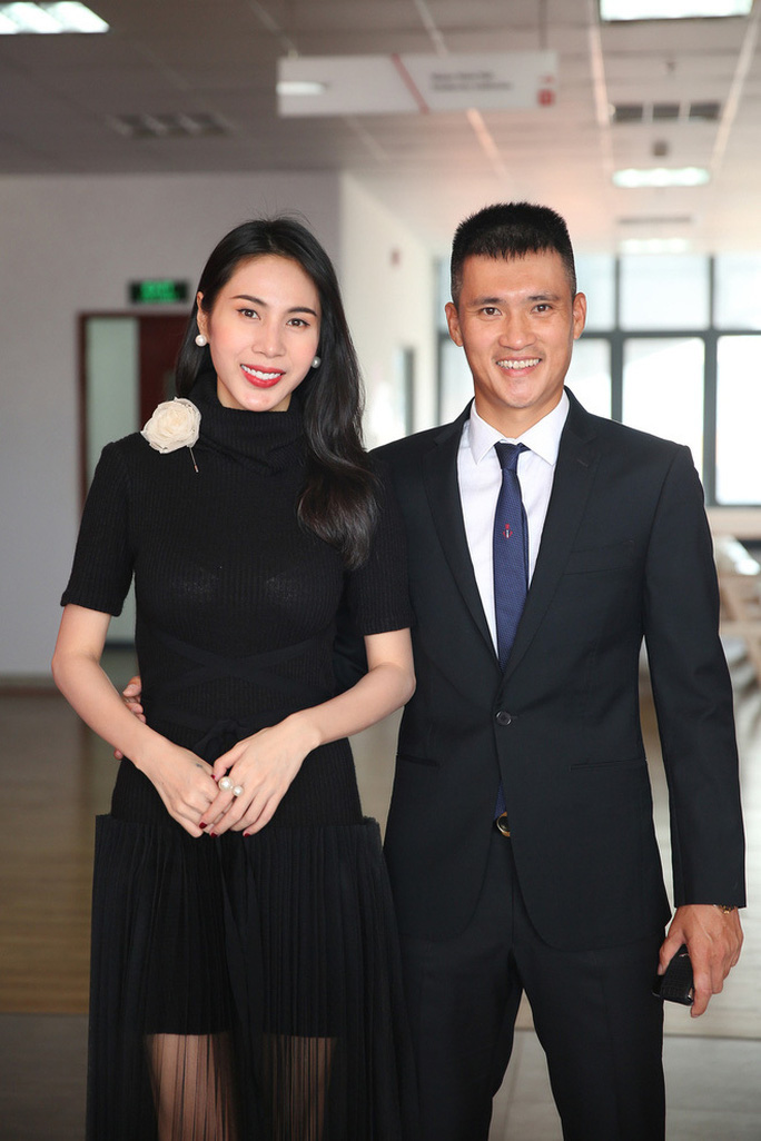 Ca sĩ Thủy Tiên trao tiền hỗ trợ người dân Quảng Nam rất minh bạch - Ảnh 2.