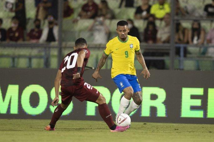 Ngược dòng siêu hạng, Brazil vững ngôi đầu vòng loại World Cup Nam Mỹ - Ảnh 2.