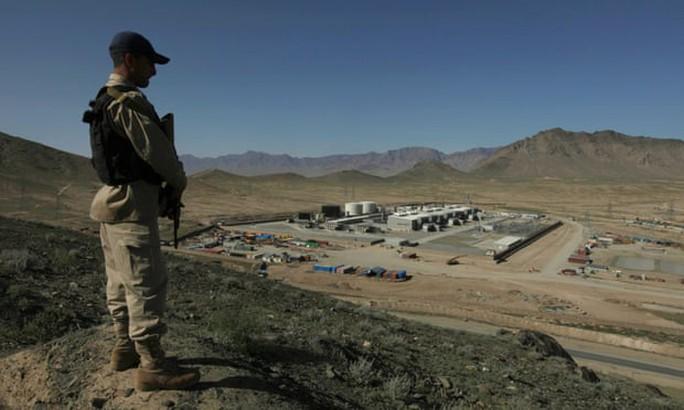 Mỹ đốt tiền ở Afghanistan: Phi đội 500 triệu USD đem... bán phế liệu - Ảnh 1.