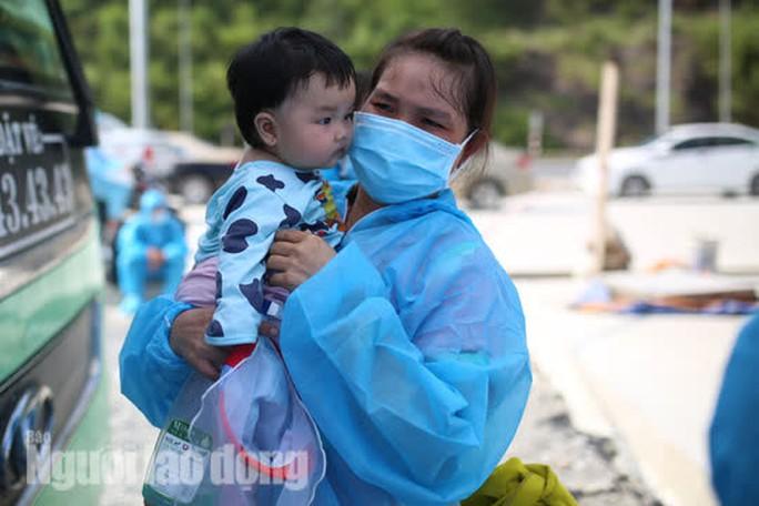 Đà Nẵng có xe khách chở miễn phí người dân từ phía Nam về quê - Ảnh 3.