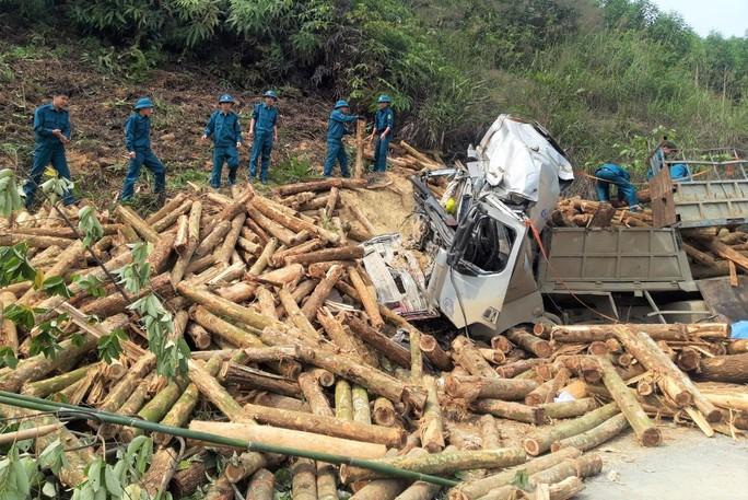 CLIP: Hiện trường vụ tai nạn thảm khốc khiến 7 người thiệt mạng - Ảnh 5.