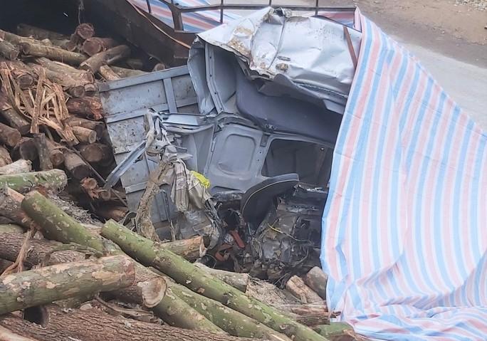 CLIP: Hiện trường vụ tai nạn thảm khốc khiến 7 người thiệt mạng - Ảnh 8.