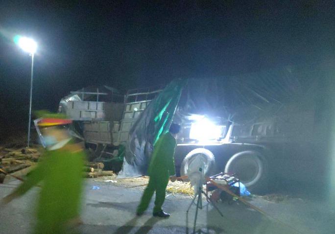 Vụ xe tải gặp nạn: Cả 7 người tử vong - Ảnh 1.