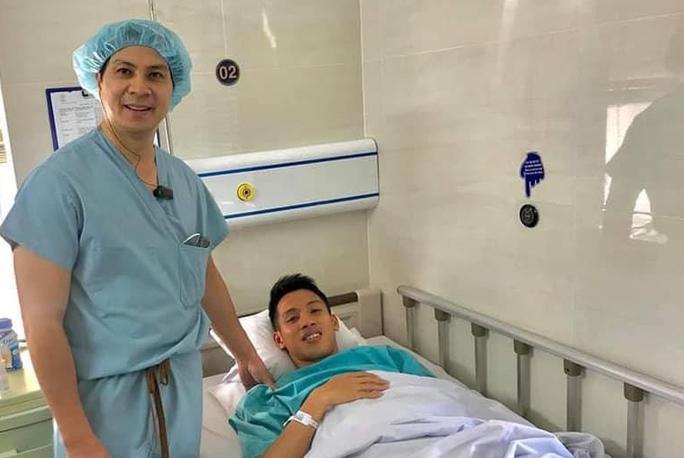 Phỏng vấn BS Phạm Quốc Hùng về khả năng hồi phục của cầu thủ Đỗ Hùng Dũng - Ảnh 2.