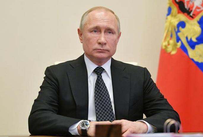 Điện Kremlin: Mọi người hãy tin rằng Tổng thống Putin đã tiêm vắc-xin Covid-19! - Ảnh 1.