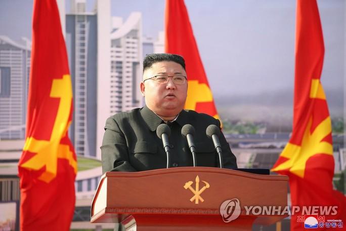 Triều Tiên phóng tên lửa, khởi động dự án khủng tại thủ đô - Ảnh 1.