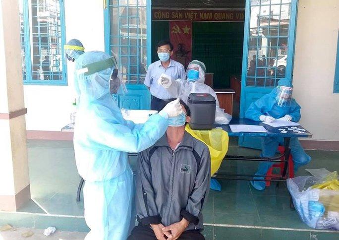 Người đàn ông Hà Nội tái dương tính SARS-CoV-2 sau gần 1 tháng xuất viện - Ảnh 1.