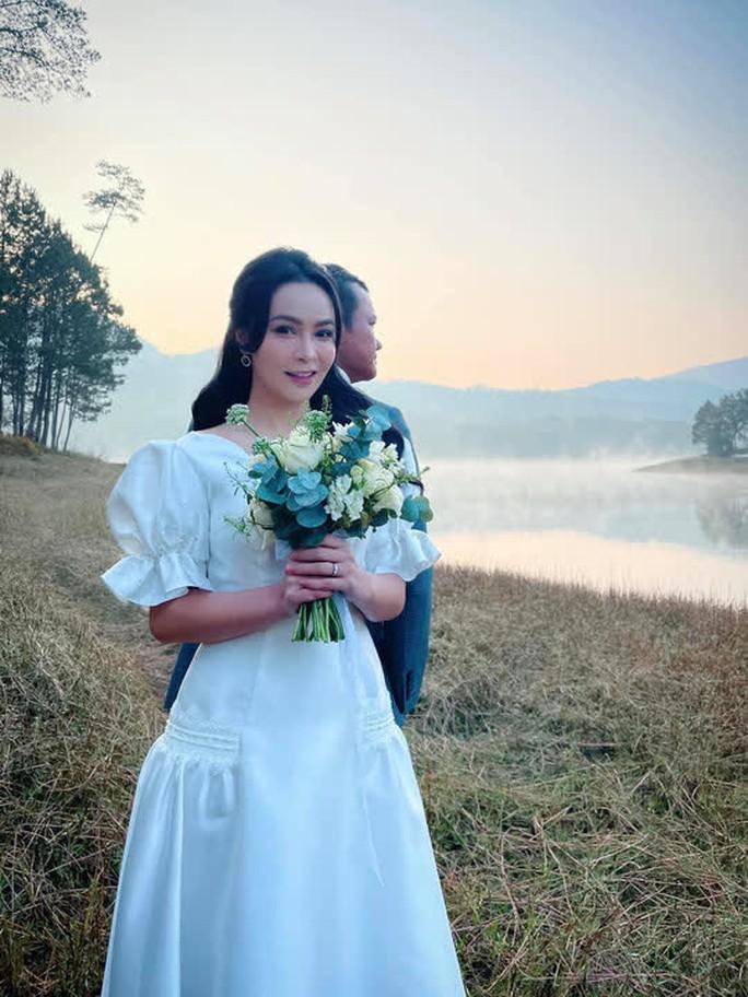 Lộ diện chồng sắp cưới hơn 12 tuổi của Mỹ Ngọc Bolero - Ảnh 2.