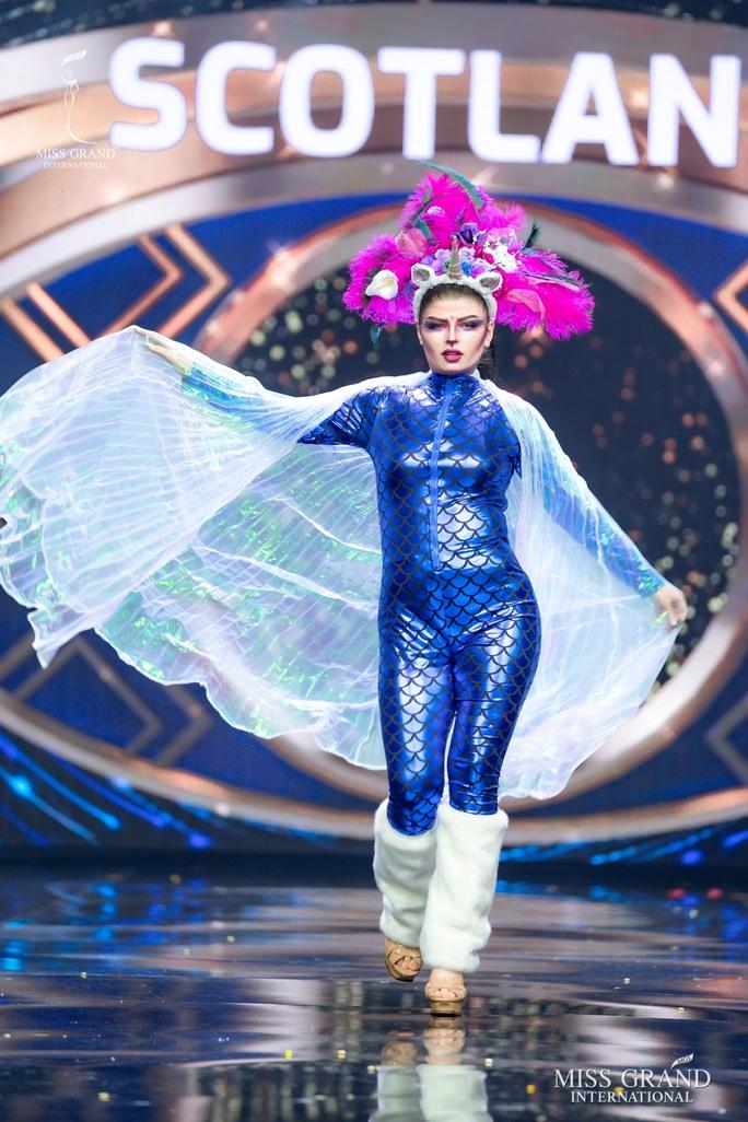 Bắt mắt với những bộ Quốc phục tại cuộc thi Hoa hậu Hòa Bình Thế giới - Ảnh 12.