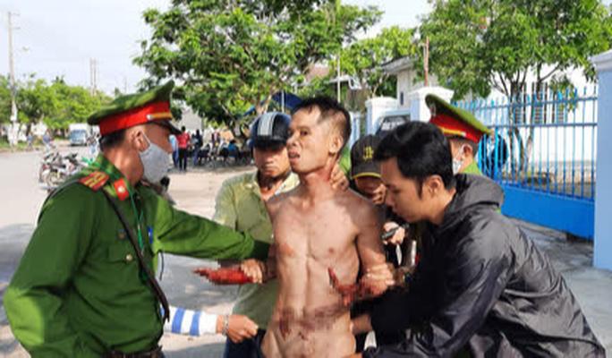 Kẻ ngáo đá ở Quảng Nam tự cắt cổ, liên tục la giết người - Ảnh 1.