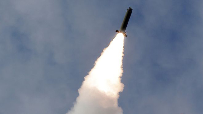 Nhật - Hàn: Triều Tiên bắn liên tiếp 2 tên lửa đạn đạo - Ảnh 2.