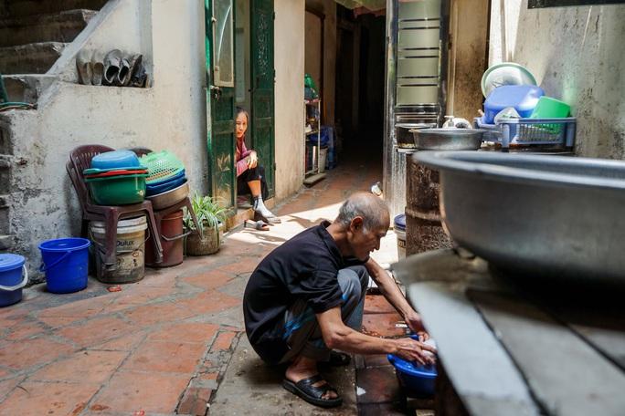 """Quy hoạch phân khu đô thị: Nhiều người dân sinh sống ở phố cổ lo lắng """"mất cần câu cơm"""" - Ảnh 10."""
