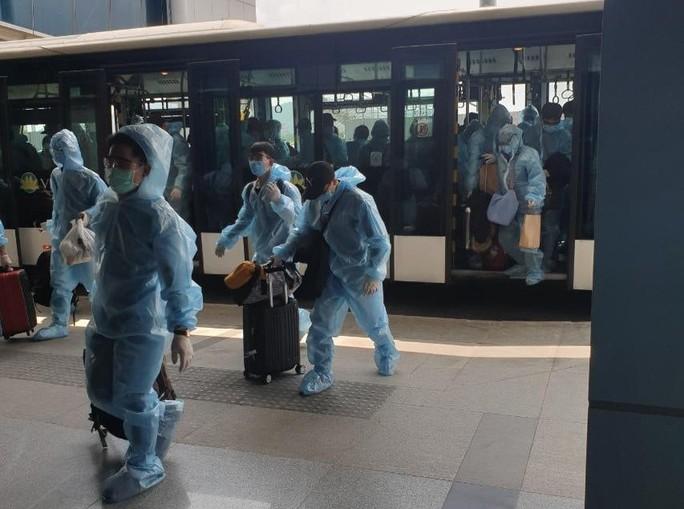 """""""Tâm thư"""" của các công dân về từ Đài Loan trên những chuyến bay giải cứu - Ảnh 3."""
