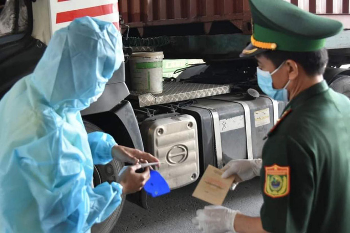 Thứ trưởng Bộ Y tế chỉ đạo phòng chống dịch Covid-19 ở Tây Ninh - Ảnh 3.