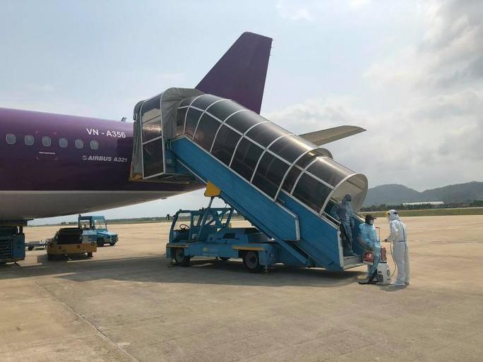 """""""Tâm thư"""" của các công dân về từ Đài Loan trên những chuyến bay giải cứu - Ảnh 2."""