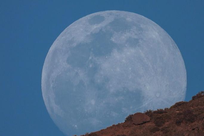 Việt Nam sắp đón siêu trăng giun khổng lồ, chỉ tròn sau ngày rằm - Ảnh 1.