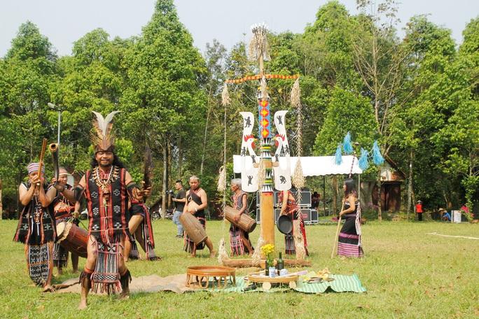 Đặc sắc lễ hội văn hóa Mùa yêu Toom Sara Fest của người Cơ Tu - Ảnh 2.