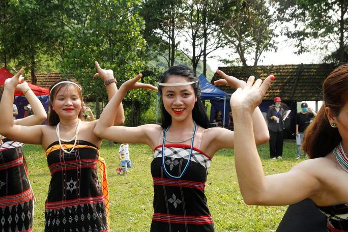 Đặc sắc lễ hội văn hóa Mùa yêu Toom Sara Fest của người Cơ Tu - Ảnh 3.