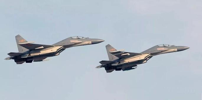 Đài Loan triển khai tên lửa bám sát máy bay Trung Quốc - Ảnh 1.
