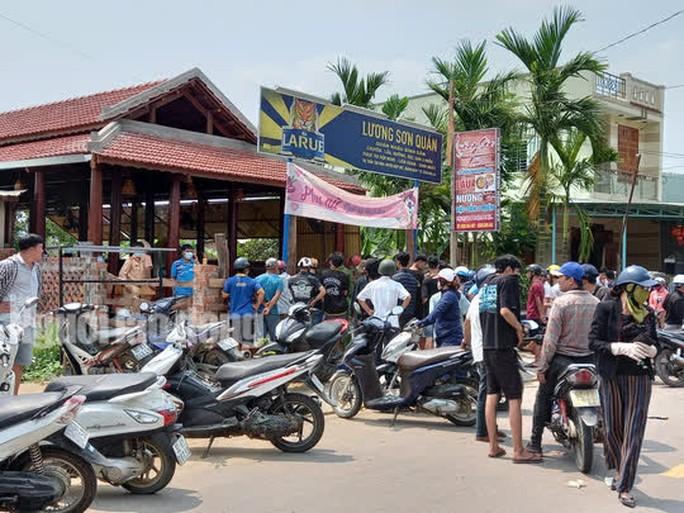 Án mạng kinh hoàng ở Quảng Nam, đầu bếp tử vong, 2 vợ chồng chủ quán bị thương - Ảnh 2.