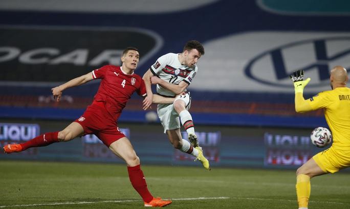 Ronaldo bị cướp công, Bồ Đào Nha ngậm ngùi chia điểm Serbia - Ảnh 4.
