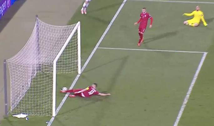 Ronaldo bị cướp công, Bồ Đào Nha ngậm ngùi chia điểm Serbia - Ảnh 1.
