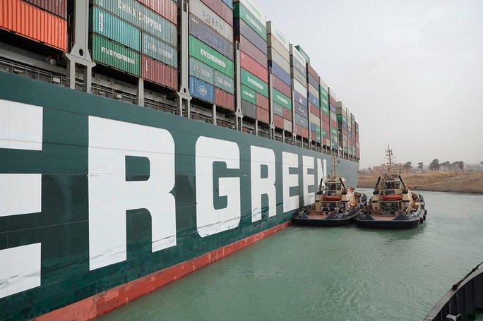 Toàn cảnh giải cứu siêu tàu mắc cạn trên kênh đào Suez - Ảnh 10.