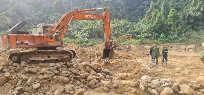 Chỉ đạo mới của Bí thư Tỉnh ủy Thừa Thiên - Huế về tìm kiếm  công nhân Rào Trăng còn mất tích - Ảnh 2.