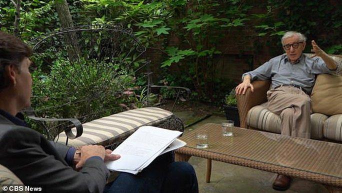 Đạo diễn Woody Allen trực tiếp phủ nhận cáo buộc lạm dụng tình dục con nuôi - Ảnh 2.