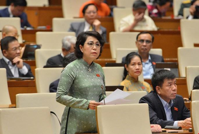 ĐB Tô Thị Bích Châu: Phát triển TP HCM thành trung tâm tài chính của khu vực và quốc tế - Ảnh 1.