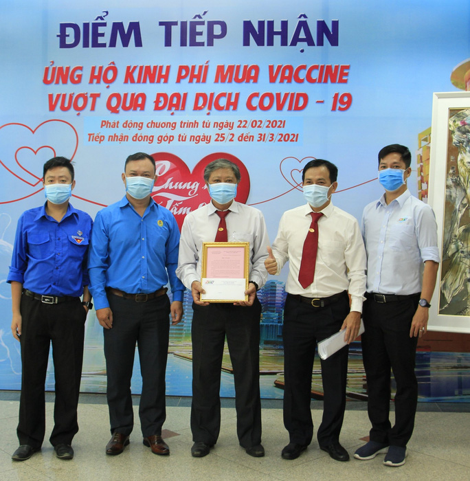 Vinasun Taxi quyên góp ủng hộ chương trình mua vacxin phòng, chống Covid-19                   - Ảnh 1.
