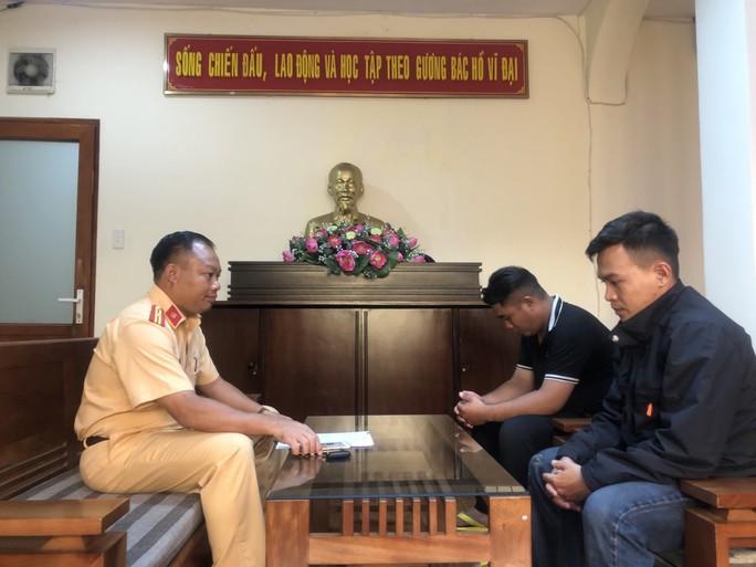 Cục CSGT làm việc với 2 Facebooker từng khoe chặn cao tốc TP HCM - Long Thành - Dầu Giây để đua xe - Ảnh 2.