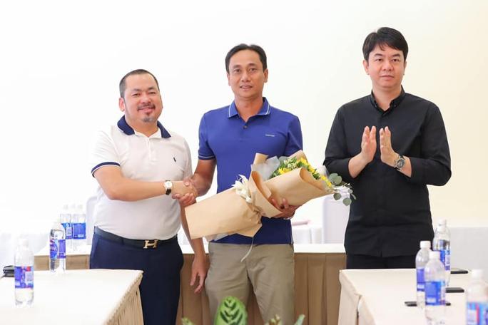 Cựu trung vệ thép tuyển Việt Nam làm trợ lý HLV CLB Sài Gòn - Ảnh 3.