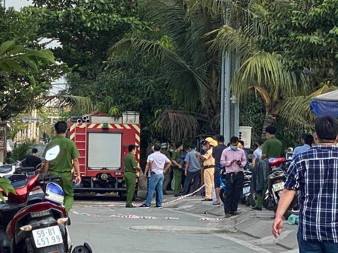 NÓNG: Cháy nhà ở TP Thủ Đức, 6 người trong một gia đình tử vong - Ảnh 5.