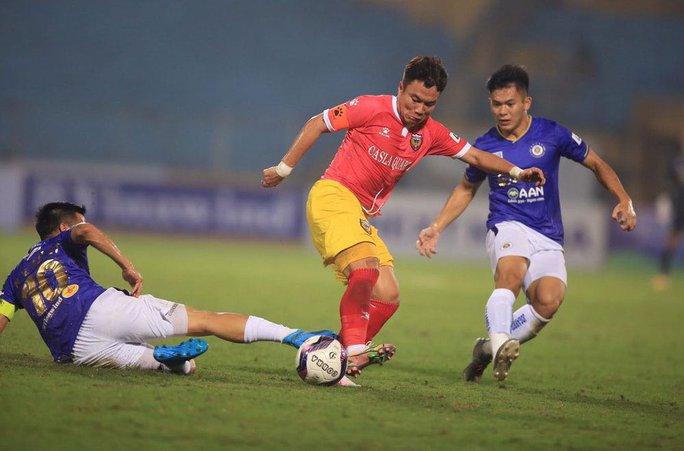 Hà Nội FC thoát thua ở phút 90 - Ảnh 2.