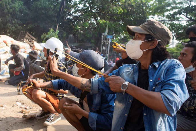 Mỹ đánh mạnh vào túi tiền của Myanmar - Ảnh 1.