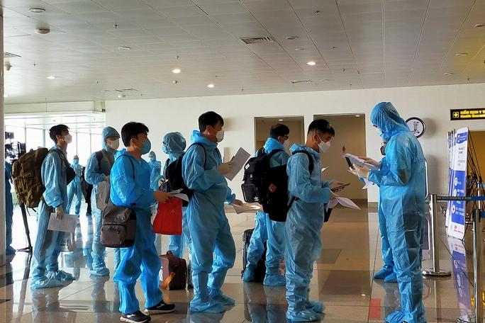 Phương án tổ chức các chuyến bay quốc tế thường lệ chở khách vào Việt Nam - Ảnh 1.