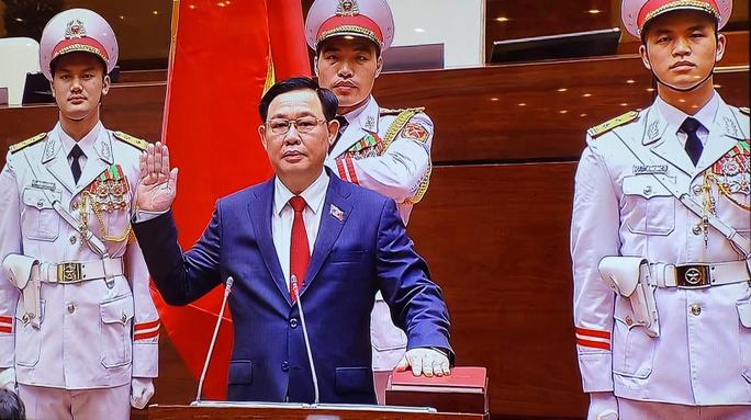 CLIP: Tân Chủ tịch Quốc hội Vương Đình Huệ tuyên thệ nhậm chức - Ảnh 2.
