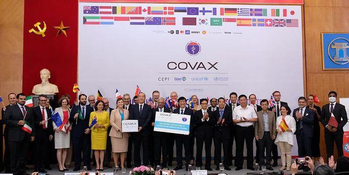 Phó Thủ tướng Vũ Đức Đam nói gì tại lễ tiếp nhận 811.200 liều vắc-xin Covid-19? - Ảnh 3.