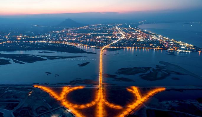 Kỷ niệm 410 năm thành lập, Phú Yên đón nhận bằng di tích quốc gia đặc biệt Gành Đá Đĩa - Ảnh 4.
