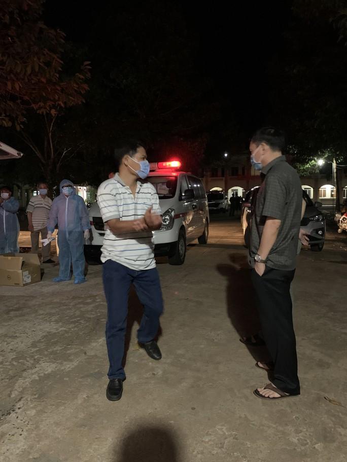 Cuộc rượt đuổi ngoạn mục giữa khuya ở Bình Phước - Ảnh 1.