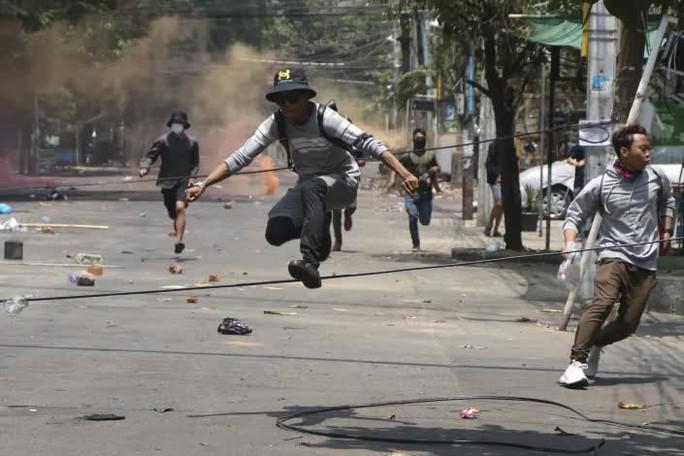 Myanmar: Một đồn cảnh sát bị tấn công, 10 người thiệt mạng - Ảnh 1.