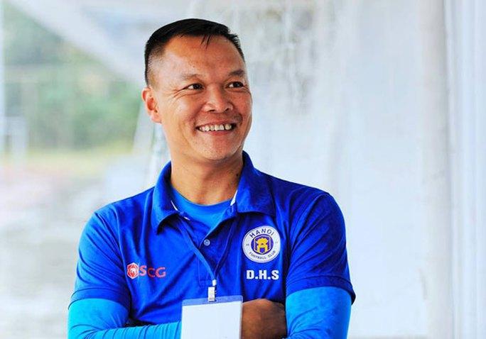HLV Dương Hồng Sơn ngồi ghế nóng CLB Quảng Nam - Ảnh 3.