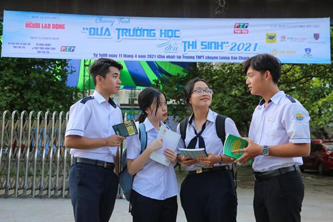 Đưa trường học đến thí sinh 2021 tại Phú Yên: Cơ hội vàng trước khi đặt bút dự thi - Ảnh 1.