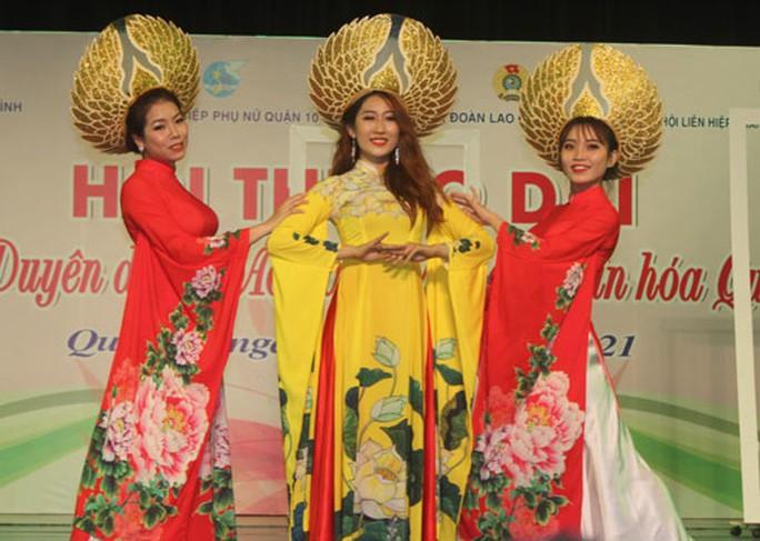 Tôn vinh nét đẹp áo dài Việt Nam - Ảnh 1.
