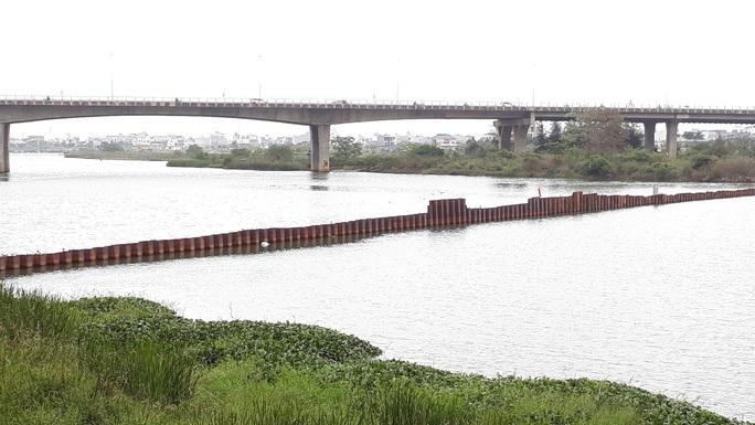 """Độ mặn gần 1/3 nước biển, nhiều khu vực Đà Nẵng """"khát"""" nước sinh hoạt - Ảnh 3."""